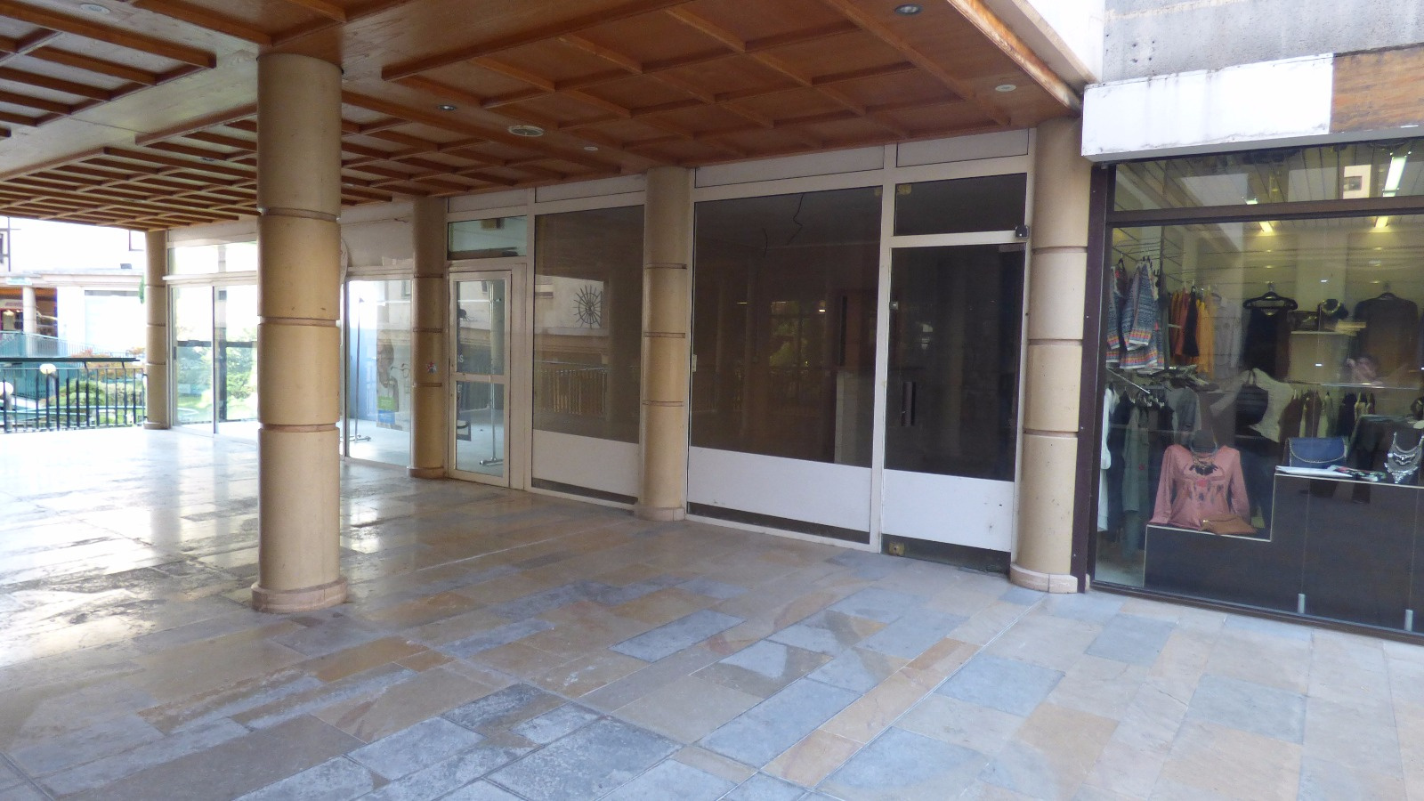 Location Immobilier Professionnel Local commercial Manosque 04100